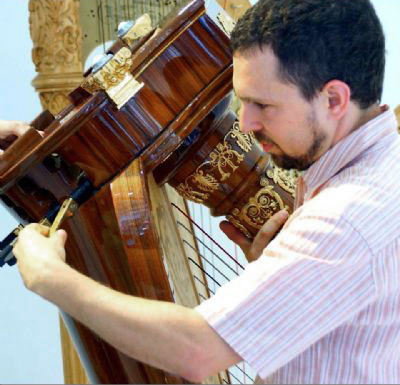 Nadav Konieczny (harp technician, Israel)